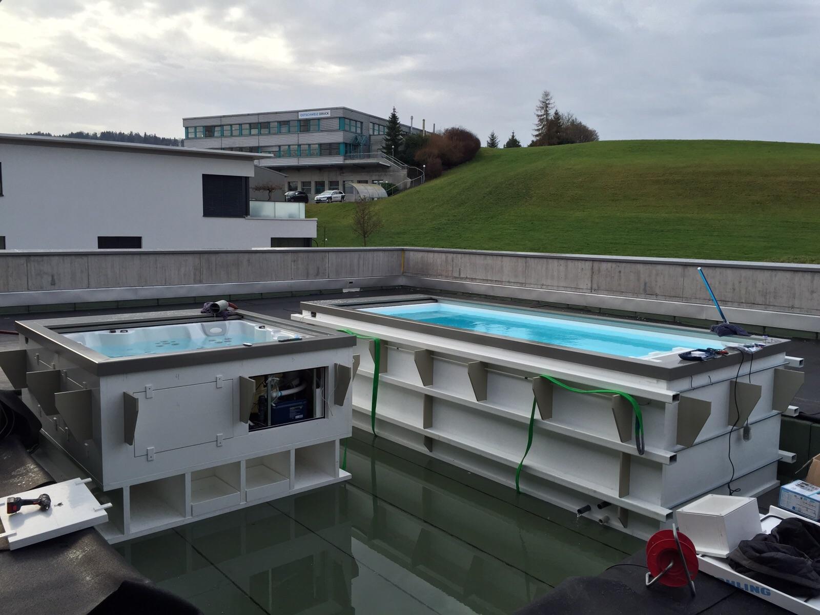 Zwembaden en vijvers paneltim for Zwembad kunststof