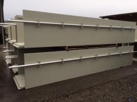 16 5,2 m lange schachten uit Paneltim kunststof panelen worden in elkaar gezet om zo een kanaal van 80 m lang te vormen.