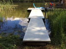 Paneltim plastic sandwich panels used for floating pontoon
