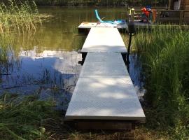 Paneltim kunststof sandwichpanelen als drijvend ponton