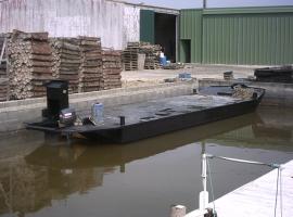 Paneltim kunststof sandwichpanelen als drijvende werkboot