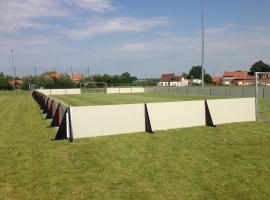 Paneltim kunststof panelen voor boarding langs sportvelden